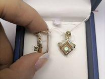 Золотые серьги с изумрудом и бриллиантами 585