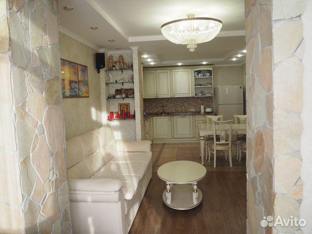 Продается трехкомнатная квартира за 4 820 000 рублей. Омск, микрорайон Заозёрный.