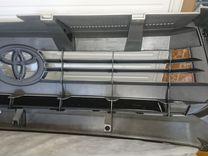 Продается решетка радиатора на Toyota Tundra