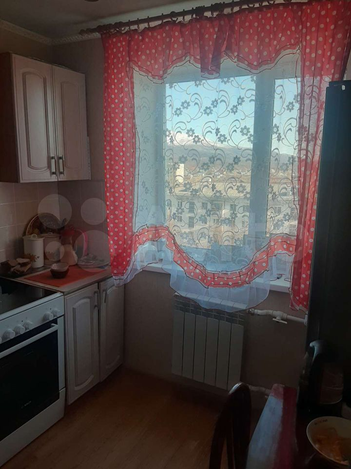 1-room apartment, 32 m2, 4/5 floor.  89642394476 buy 3
